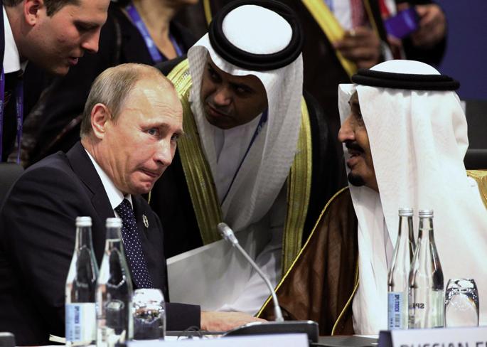 Errusiako lehendakari Vladimir Putin eta Saudi Arabiako printze Abdulaziz Al Saud  iaz Brisbanen (Australia) G20 herrialdek azaroaren 15ean burututako biltzarrean. 27an, berriro elkartu ziren Lurralde Petrolio Esportatzaileen Erakundeak (OPEC) Vienan egin