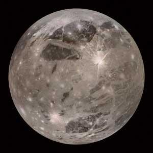 Ganimede sateliteak Lurrak baino ur gehiago eduki dezake