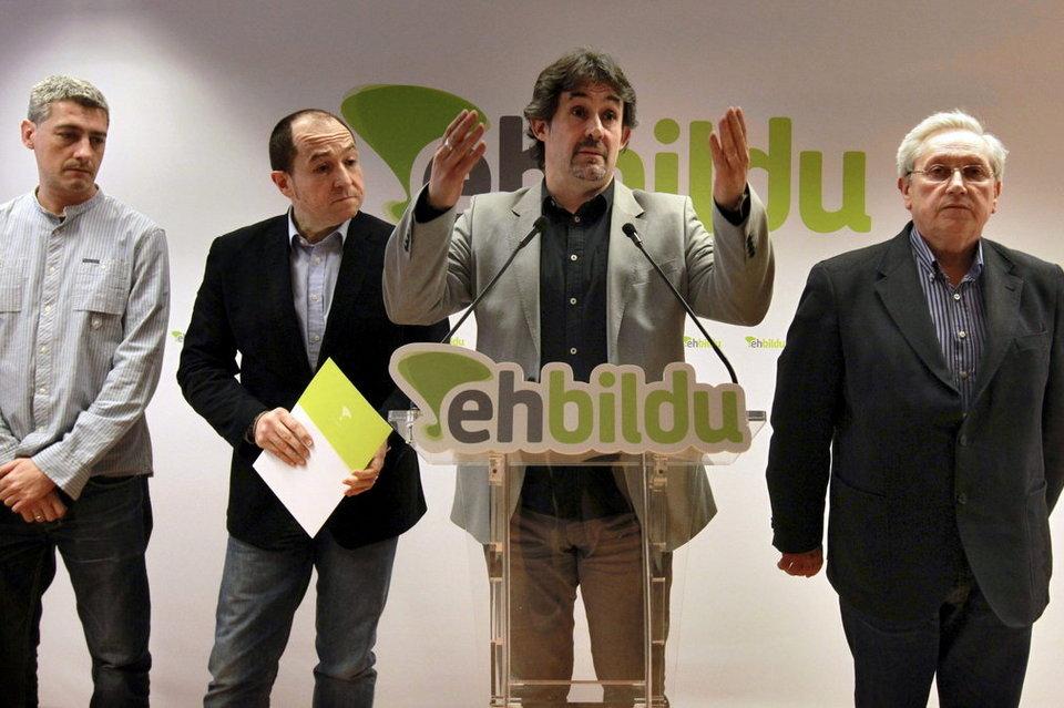 Alternatiba, Aralar, Sortu eta Eusko Alkartasuna alderdien baturak sortu zuen Eh Bildu koalizioa.