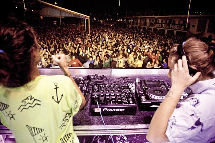 Las Tea Party DJen saioa Donostiako Piraten La Flamenka gunean
