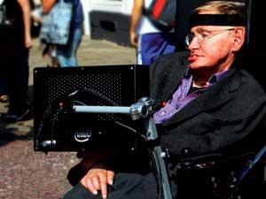 Stephen Hawkingek hitz egiteko darabilen softwarea askatu dute