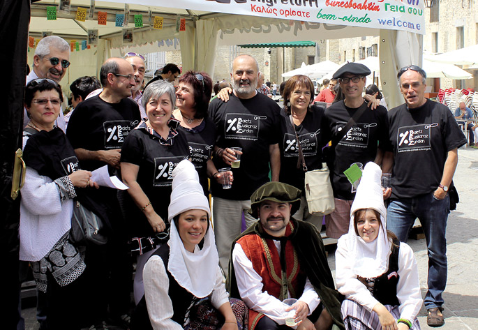 Beste mendi taldeetan gertatu den bezala, 'GEUrekin mendira'ko kideen batez besteko adinak gora egin du. 40 urtetik gorakoak elkartzea da ohikoa.