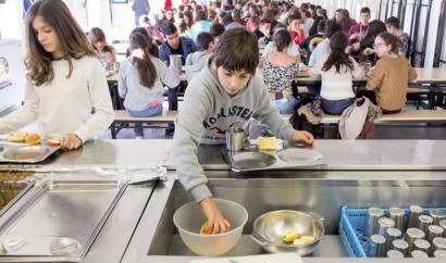 Lurdes Imaz: �Catering enpresak gurasoen kuotatik aberasten aritu dira�