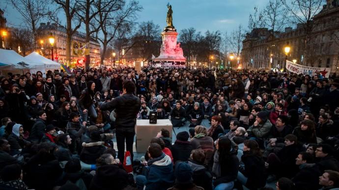 Nuit Debout borroka berri eta zaharrak biltzen ditu.