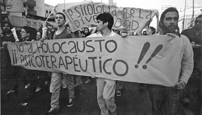 Euskal Herriko irudiez gain Latinoamerikakoak ere jaso dituzte 'Anarchivo SIDA' erakusketan, Txileko hau, adibidez. Helburua, HIESaren inguruko diskurtso kulturalak birpentsatzea. Argazkia: Mums