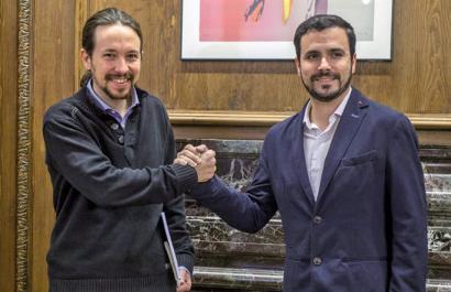 Guztiak Podemos eta IUri begira