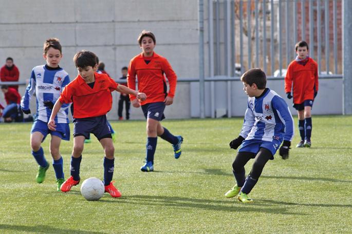 Burlatako Futbol Eskola 2009an sortu zuten hainbat gurasok.