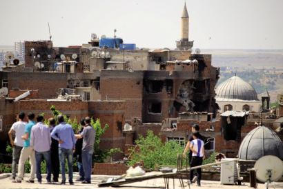 Gerraren aitzakian Turkia nola ari den eraldatzen Kurdistango Diyarbakir
