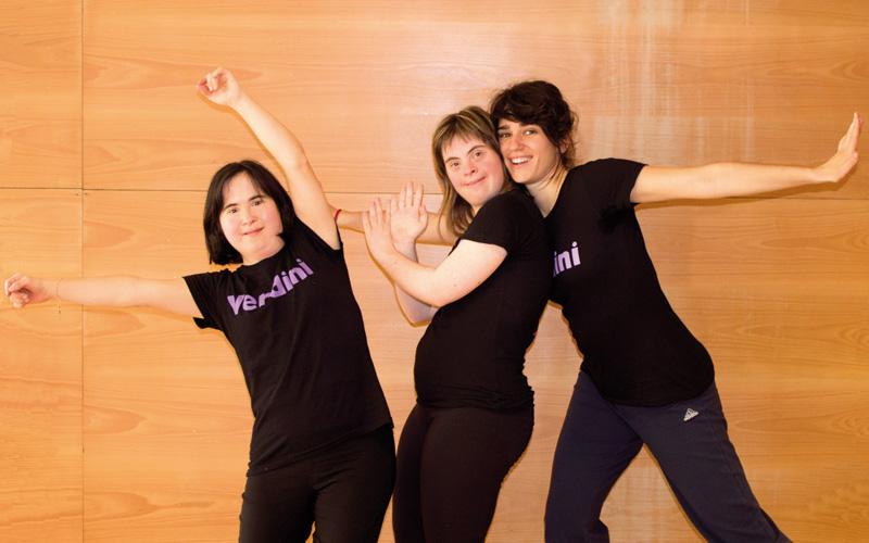 Verdini taldeko kide Nekane Prieto, Nerea Astarbe eta Aizpea Agirregomezkorta.