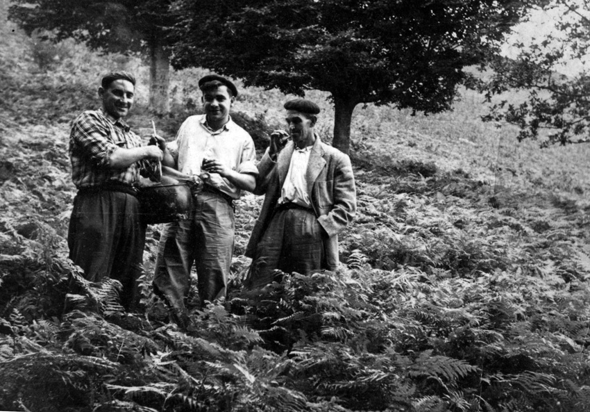Iñistor artean, Urnietan. Argazkia: Jose Luis Unanue. Manuel Larramendi Kultur Bazkunak utzia.