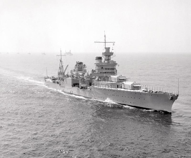 USS Indianapolis 1939an, japoniar itsaspeko batek hondoratu baino sei urte lehenago.