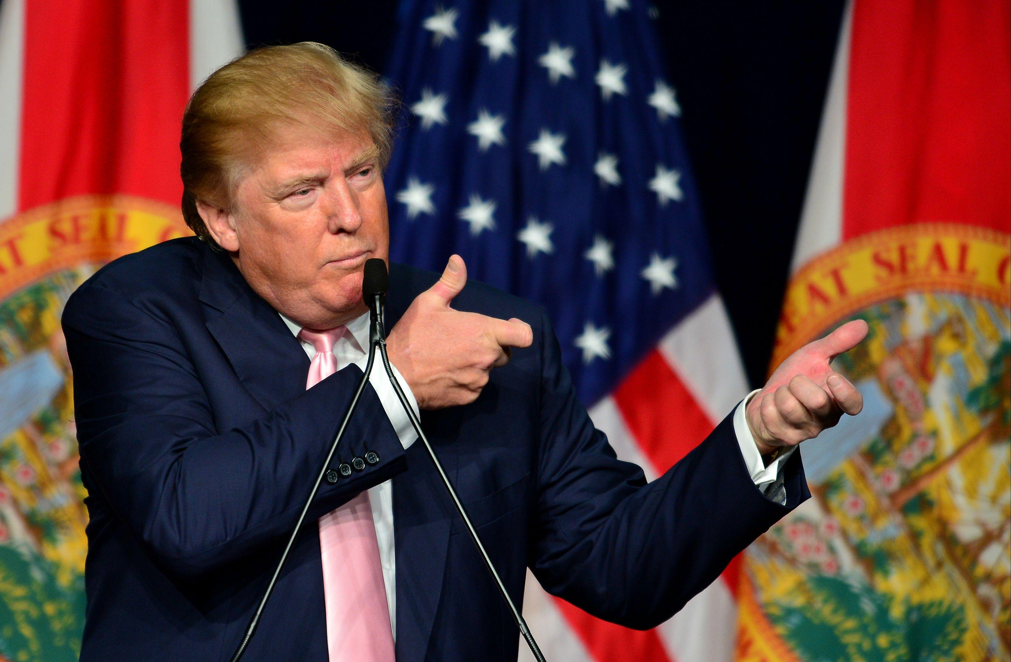 Ku Klux Klanen babesa duenak ordezkatu du AEBetako lehen presidente beltza