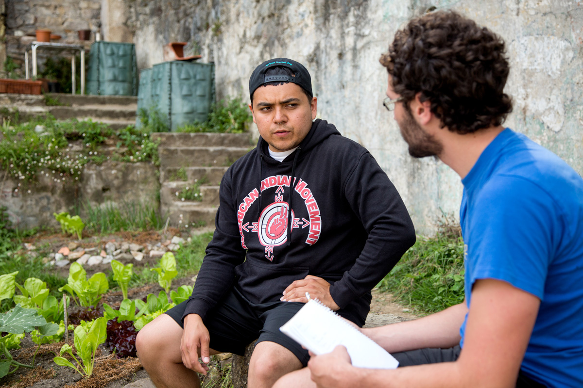 Rafael Gonzales ekintzailea Europan barrena ibili da Standing Rock-eko esperientzia zabaltzen. (Argazkia: Dani Blanco)