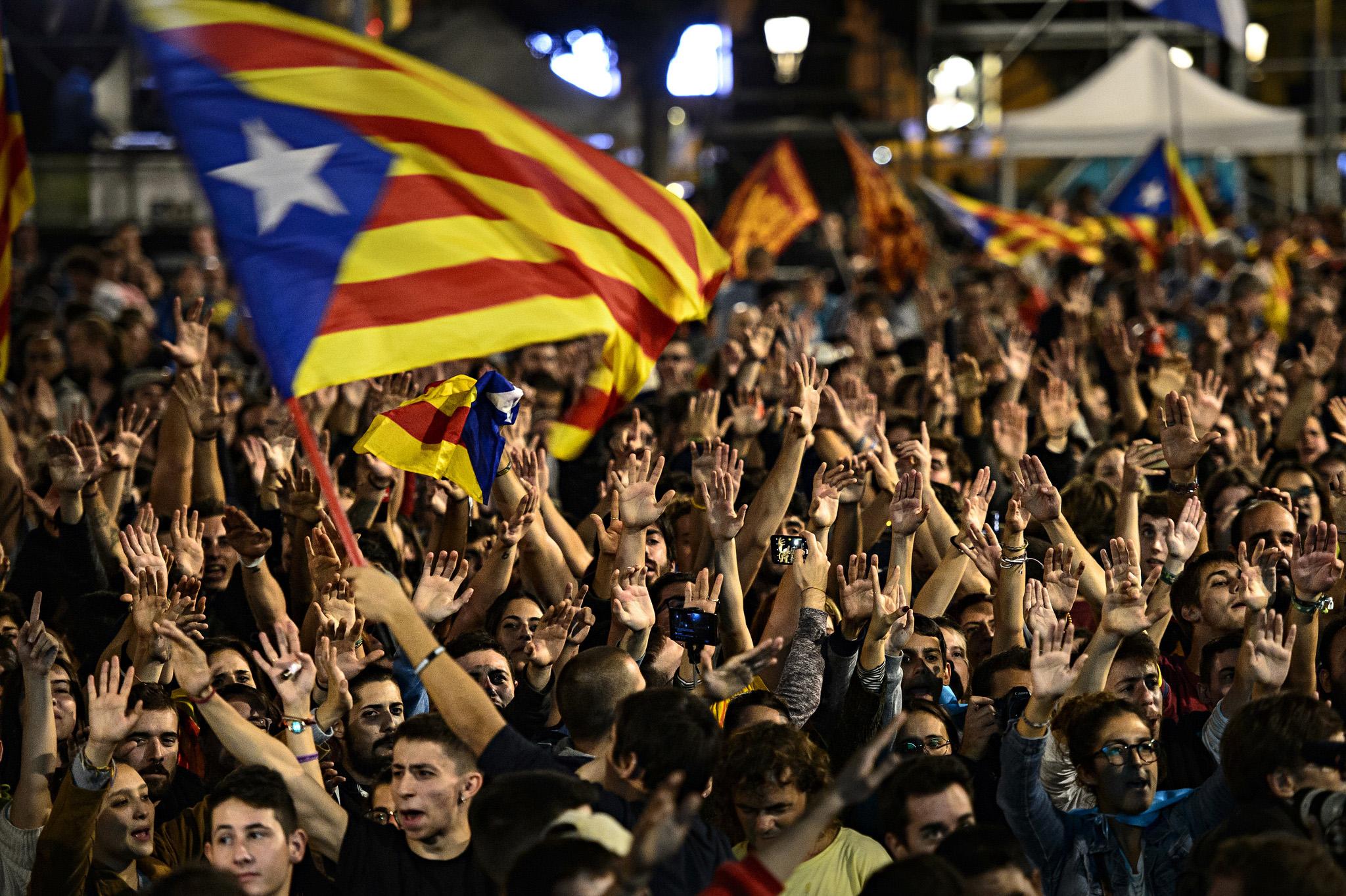 Espainiaren erasoetatik defendatzeko eraginkorrena independentzia aldarrikatzea dela uste dute askok mugimendu independentistan.