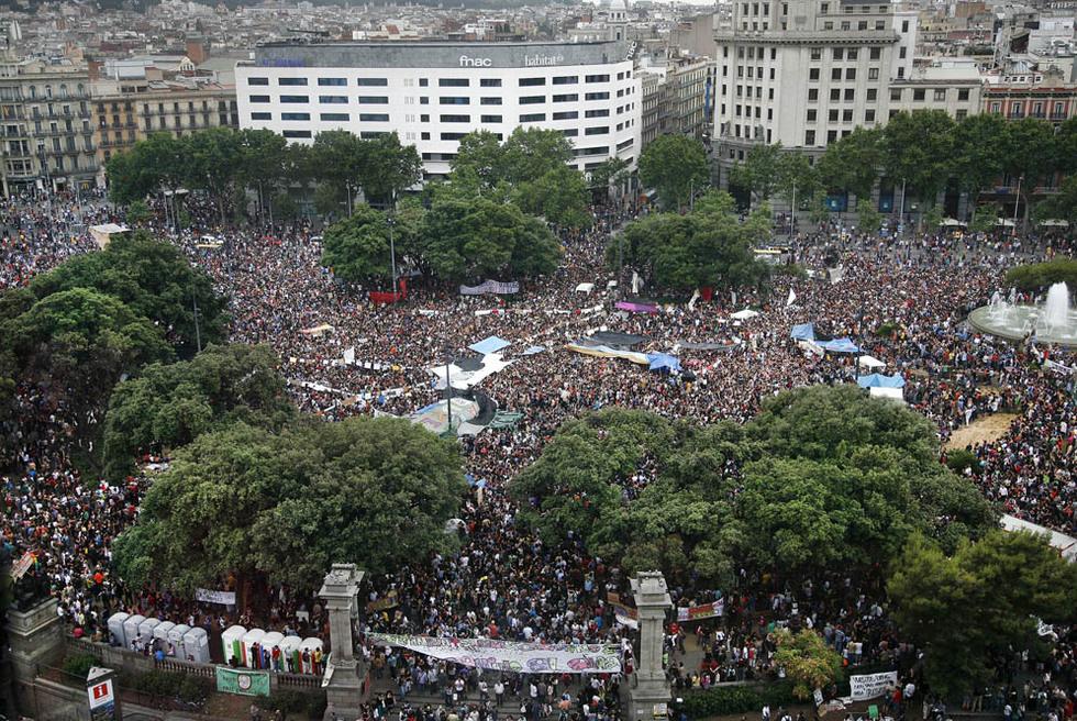 15M mugimenduak indar handia hartu zuen Bartzelonan ere, elite ekonomiko eta politikoaren aurkako protesta gisa.