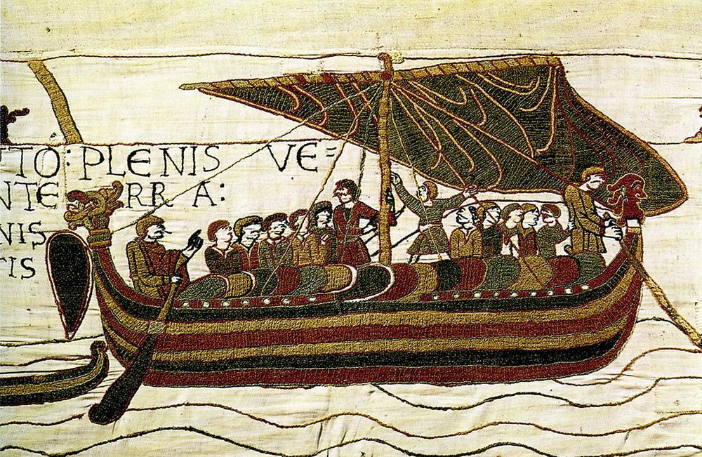 Drakkar motako ontzia, XI. mendeko Vayeuxeko tapizean. Mende bat lehenago, Bjarni Herjólfsson horrelako ontzi batean abiatu zen Groenlandiara.