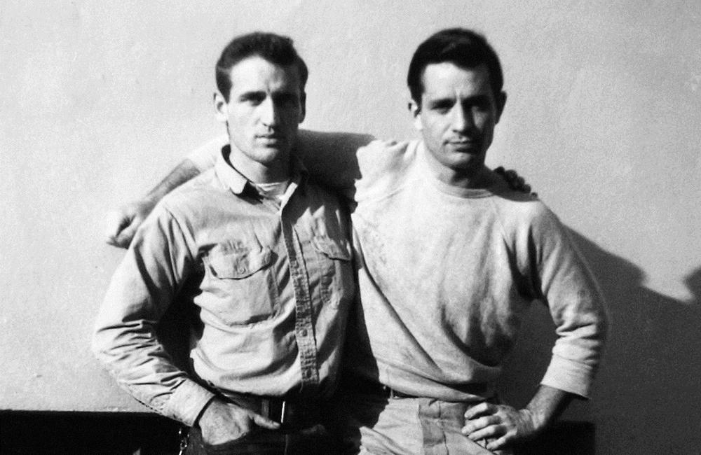 Neal Cassady eta Jack Kerouac. 'Errepidean' liburuak nazioartean izan dituen edizio askotan argazki hau erabili dute azaleko ilustrazioan.