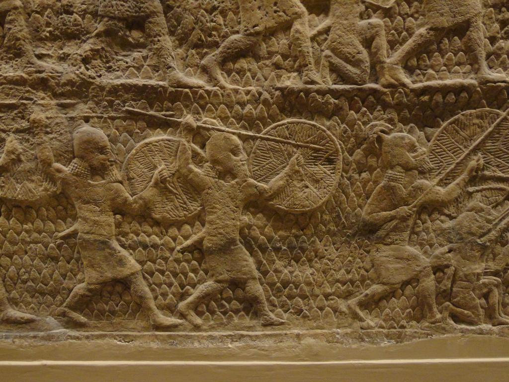 Duela hiru urteko ikerlan baten arabera, duela 3.000 urte baino gehiago soldadu asiriarrek trauma osteko estresa izan ohi zuten. (Arg.: British Museum)