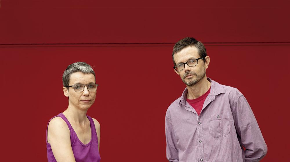Cira Pascual Marquina eta Chris Gilbert, Argiako erredakzioan (Argazkia: Dani Blanco)