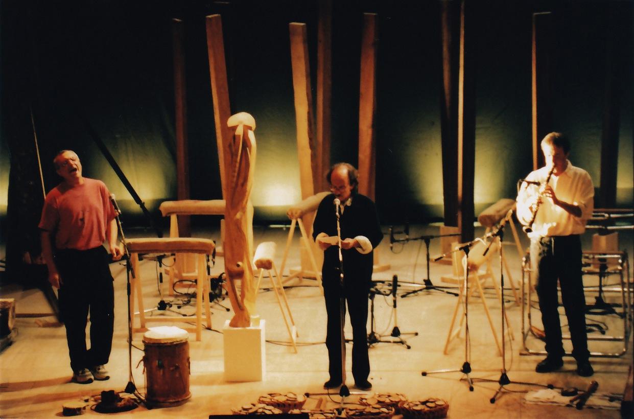 'Oihana Auhenka' ikuskizunak Joxan Artze, Beñat Achiary, Mixel Etxekopar, Jesus Artze eta Ninh lê Quan elkartu zituen, besteak beste (argazkia: Plaza festibala).