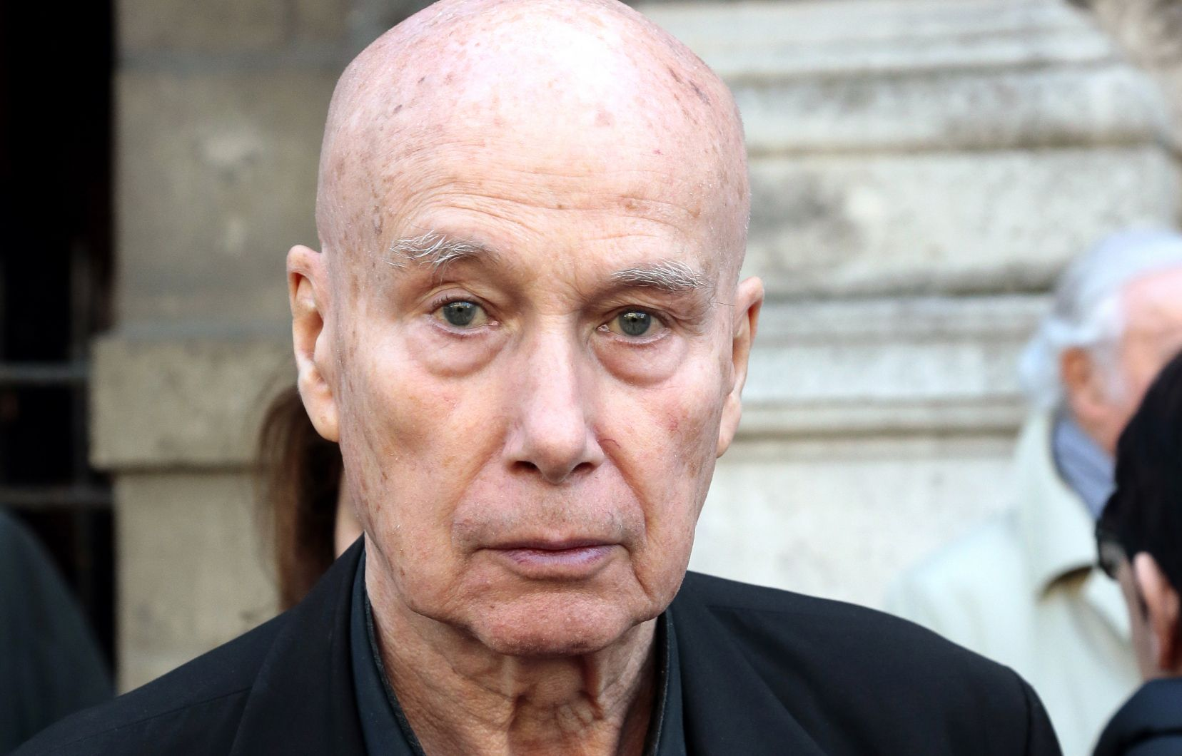 Gabriel Matzneffek 83 urte ditu egun. 50 beteak zituen Vanessa Springorarekin (orduan 14) harremanak izan zituenean.