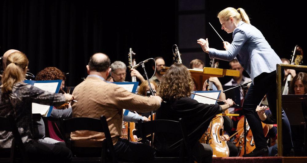 Euskadiko Orkestra, besteak beste, Gemma New zuzendariarekin arituko da datorren denboraldian. Argazkia: Nasa / Joel Kowsky.