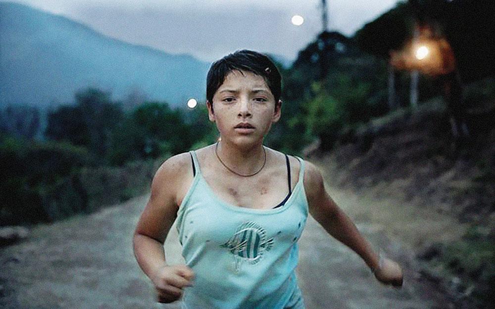 Tatiana Huezoren 'Noche de Fuego' lanaren fotograma.