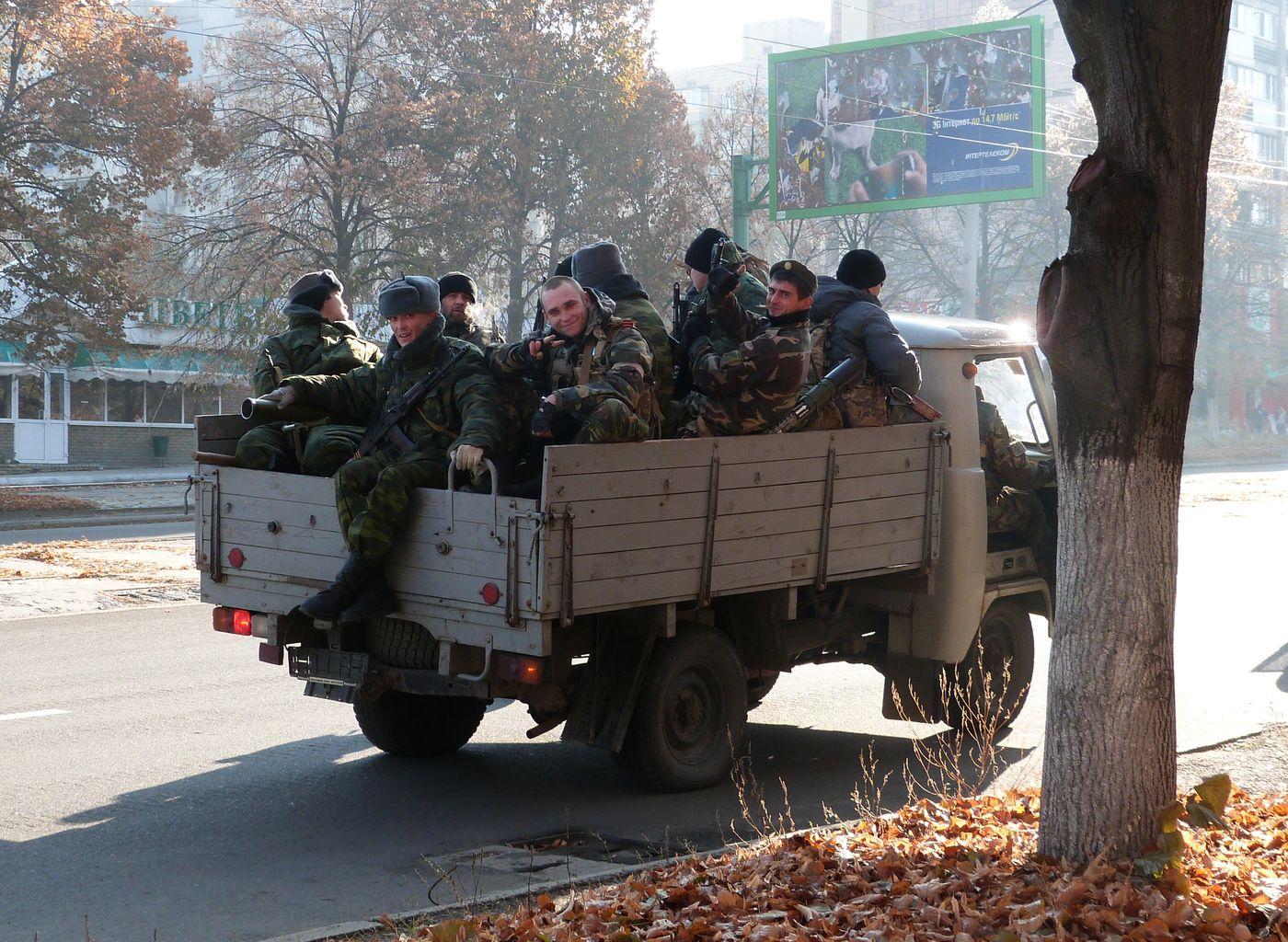 Milizioanoak Luhanskeko kaleetan